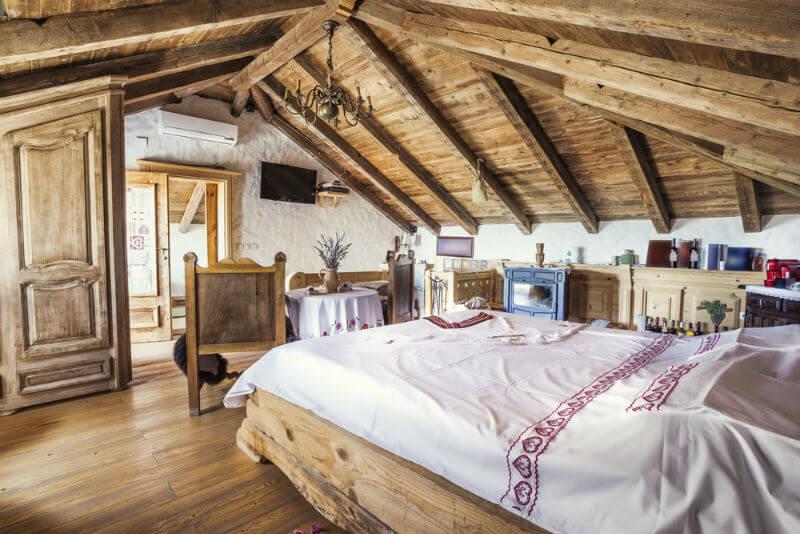 идеи мансардной спальни