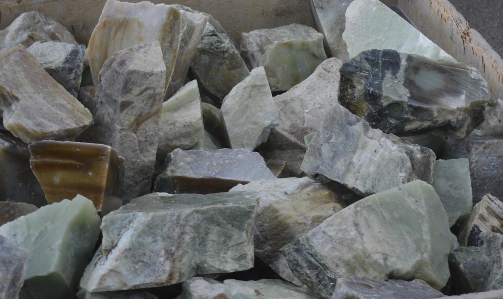 Где добывают нефрит в России - способы добычи