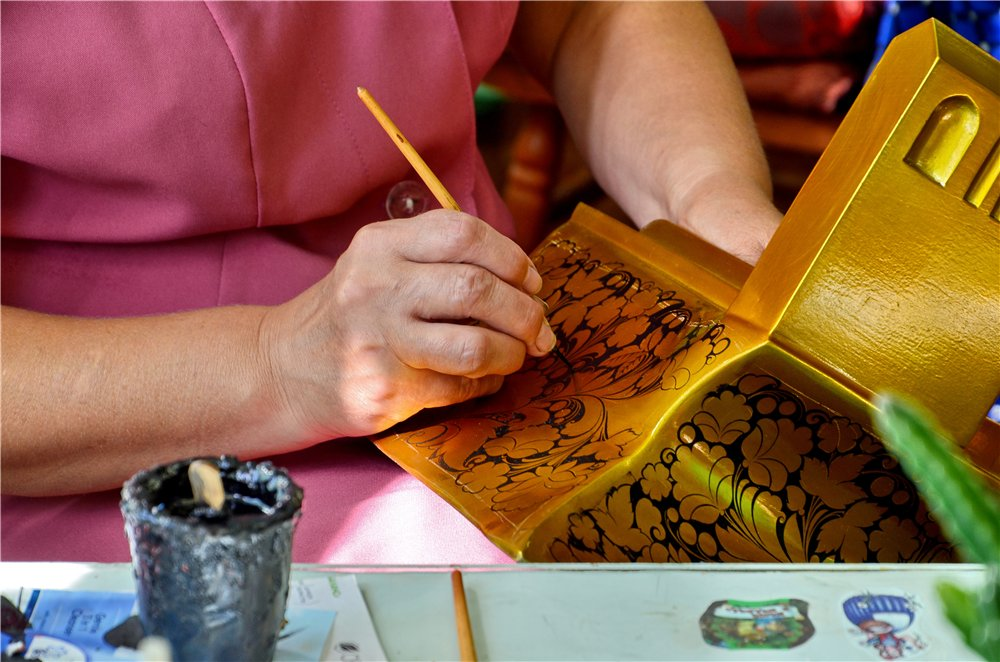 История хохломской росписи для детей