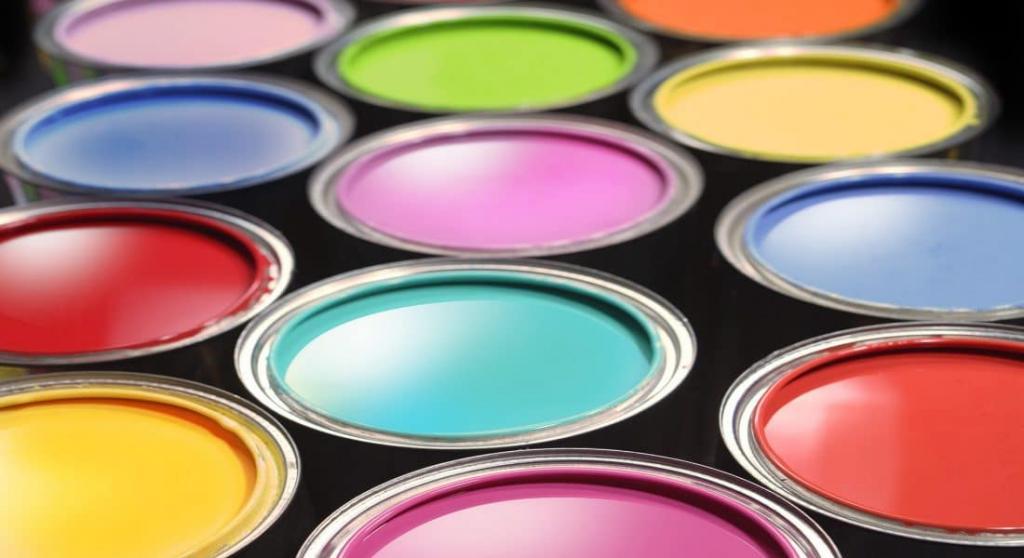банки с красками разных цветов