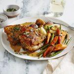 Как приготовить куриные бедра в духовке с сыром