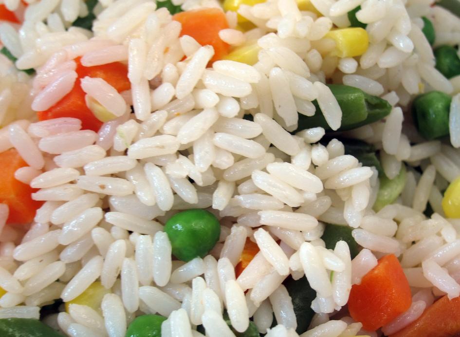 Рис с горошком и кукурузой