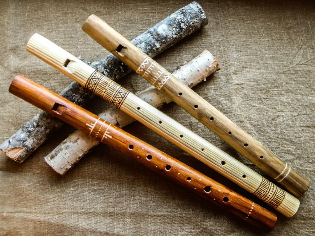 Древние свирели - духовые инструменты.