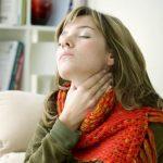 Болит миндалина: причины, симптомы, лечение и рекомендации врачей