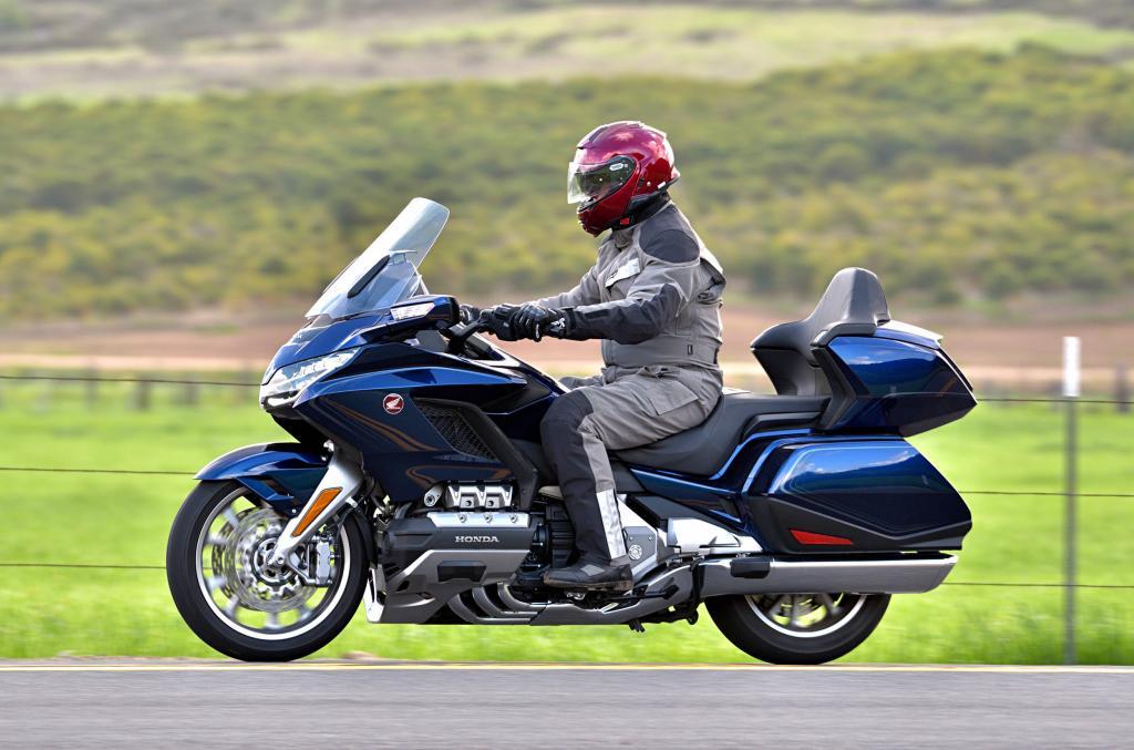 """Мотоцикл """"турер"""""""