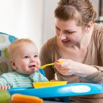 Как вводить прикорм в 5 месяцев: таблица, рецепты, рекомендации