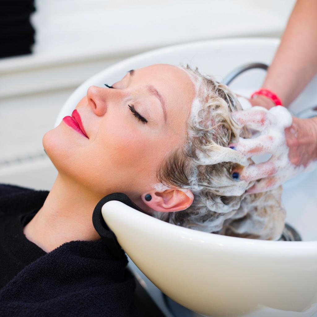 Салонный уход за волосами