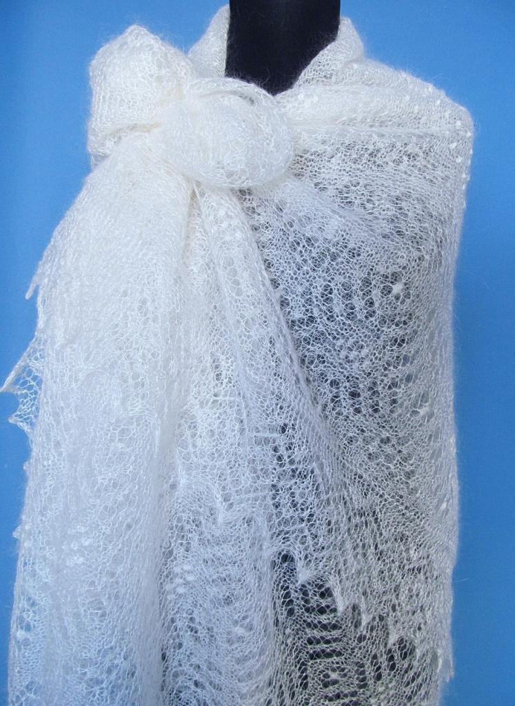 Пуховый платок-паутинка