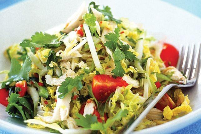 фото салата с отварной грудкой