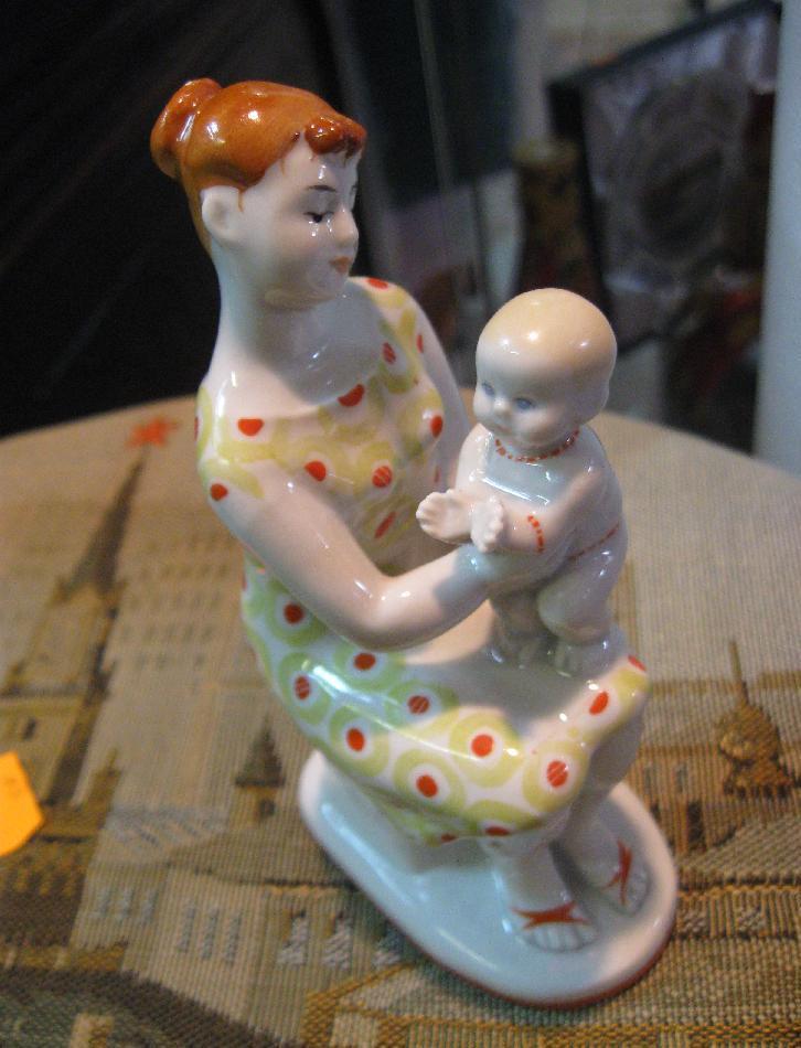 Мать и дитя. Работа русских мастеров.