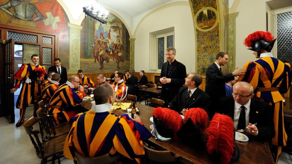 Досуг солдат Ватикана