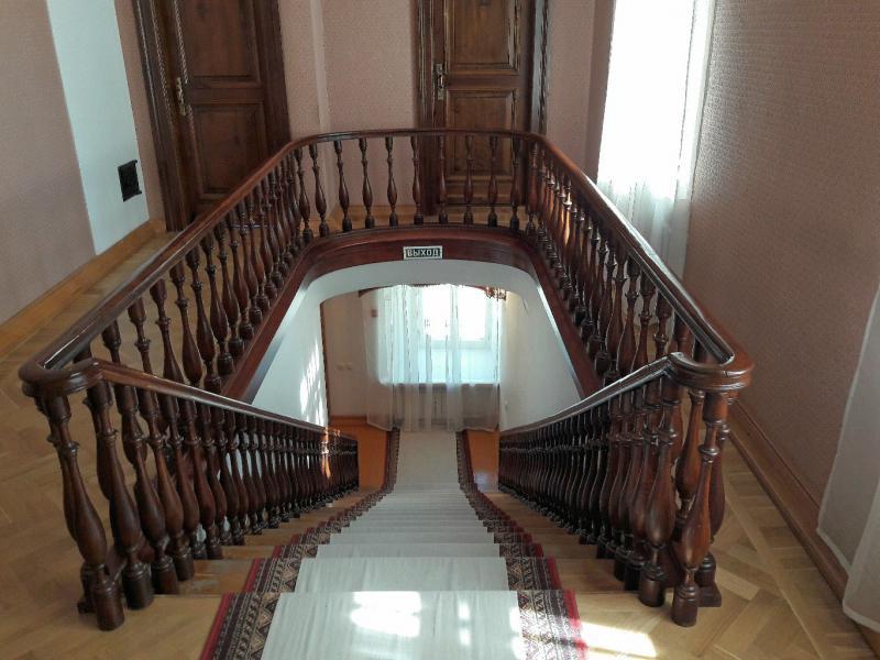 Лестница во флигеле