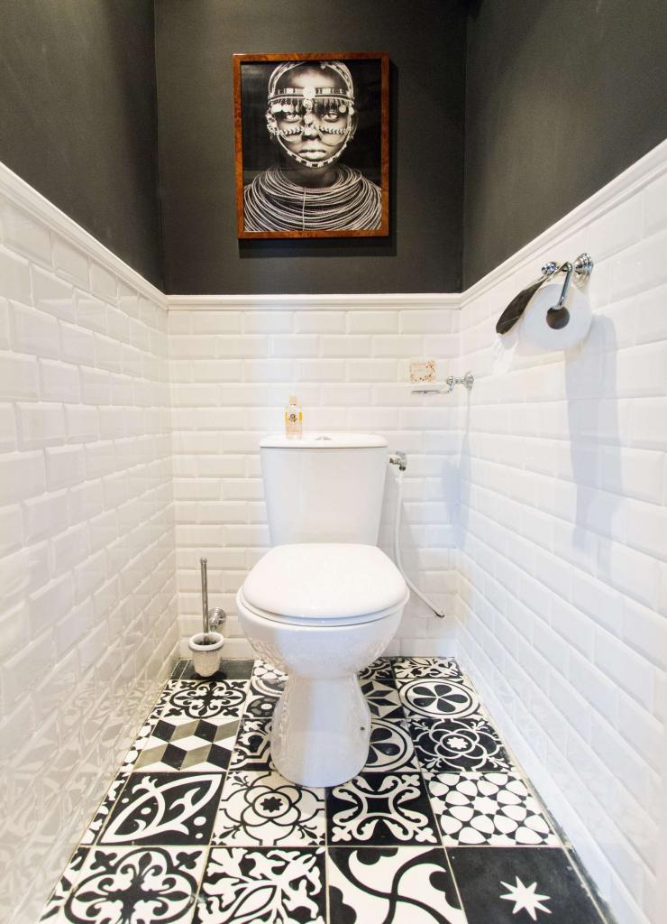 Туалет в черно-белом стиле