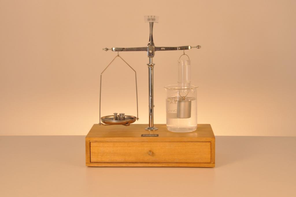 Гидростатические весы Галилея