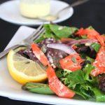 Вкусный салат с копченой семгой: рецепт приготовления и варианты оформления