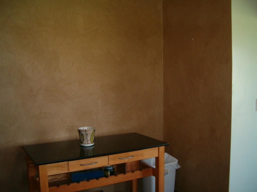 Бумажная стена
