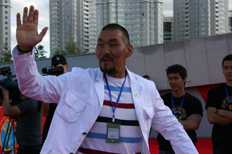 казахский актер даулет абдыгапаров