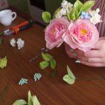 Роза из холодного фарфора: мастер-класс для начинающих