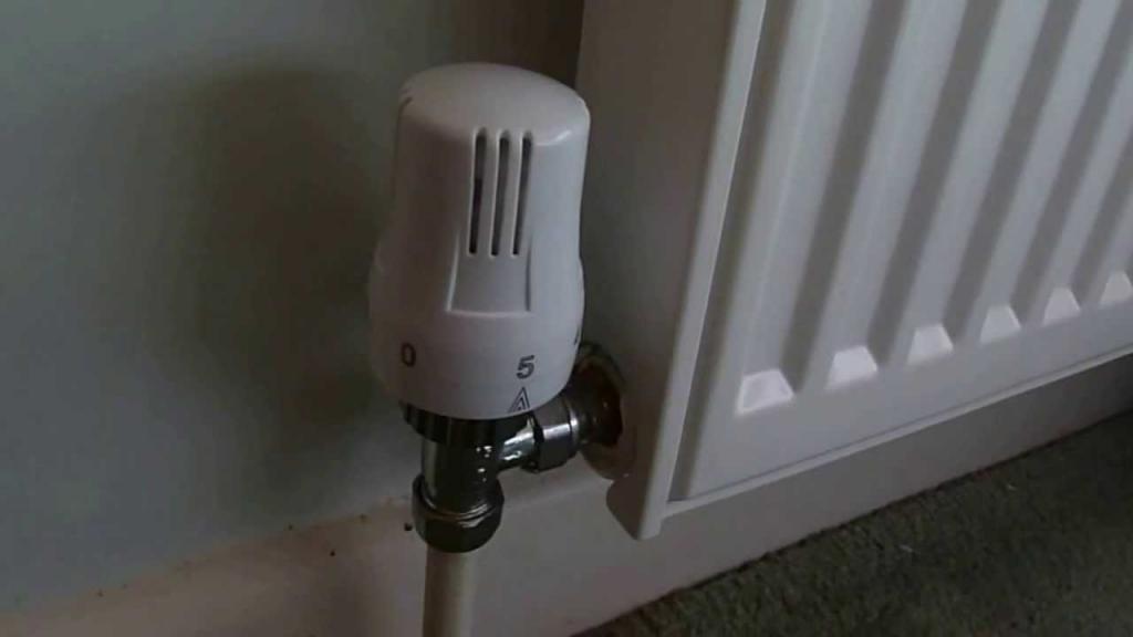 как установить термостат на батарею отопления?