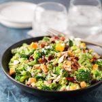 Самые интересные и вкусные салаты: рецепты, особенности приготовления и отзывы