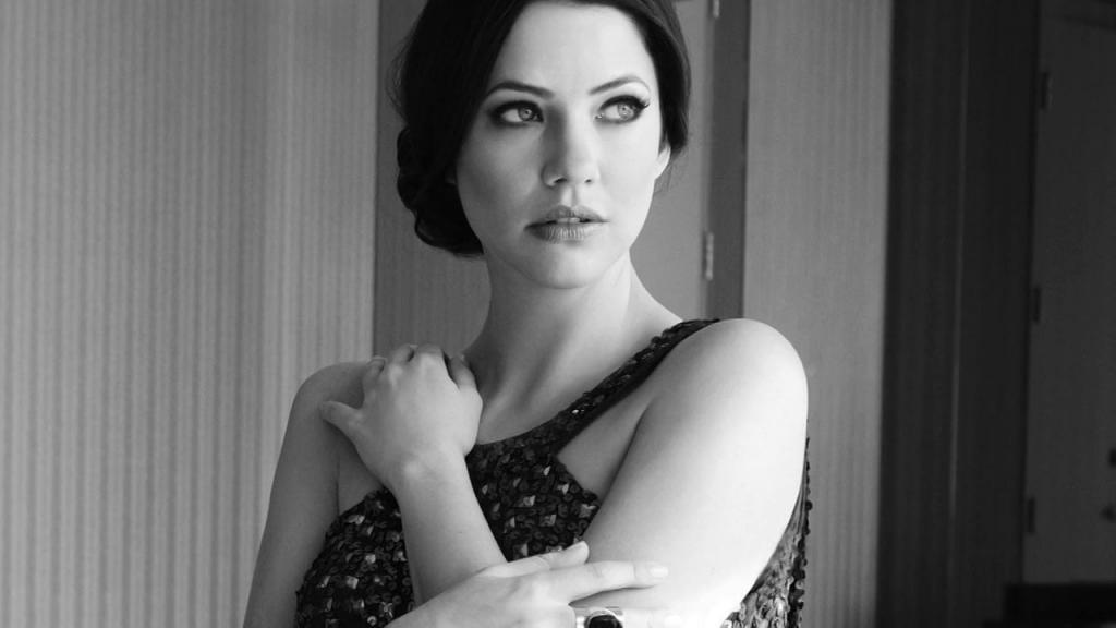 фото американской актрисы джули гонсало