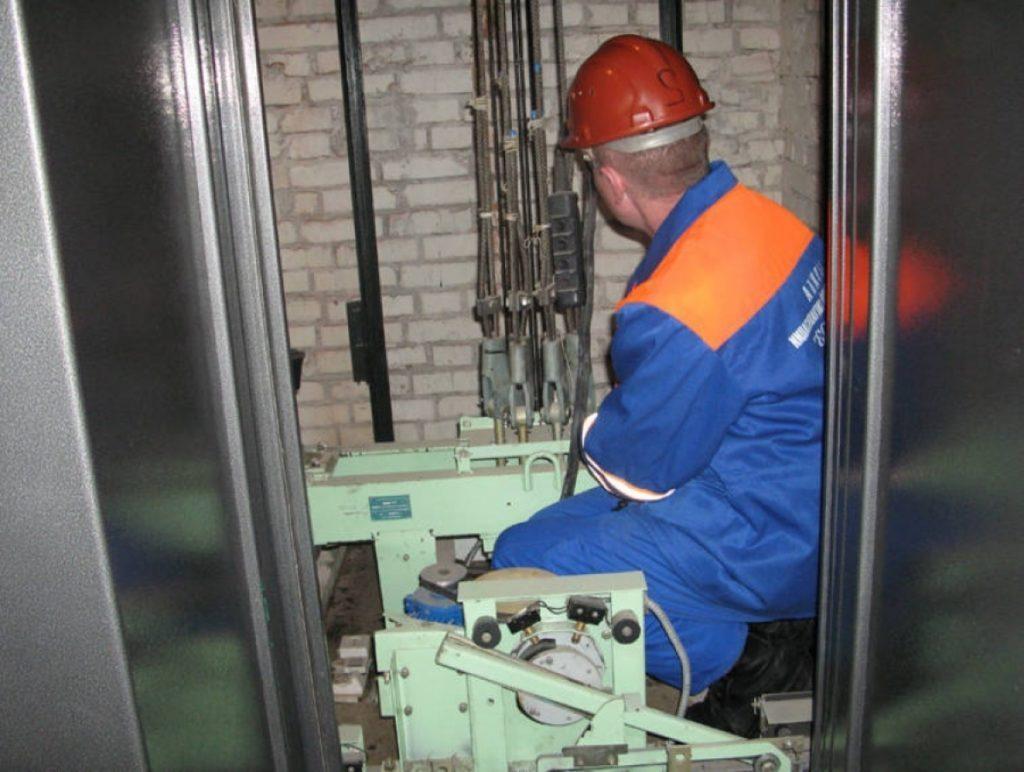 Должностная инструкция лифтера больничного лифта.
