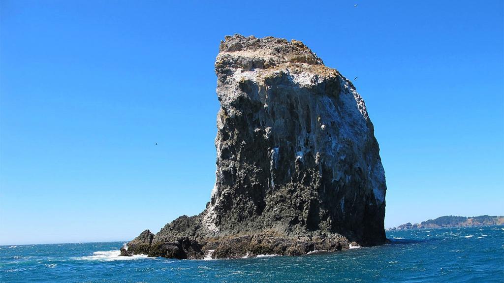 к чему снится море и скалы